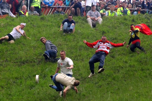 cheese-rolling (14)
