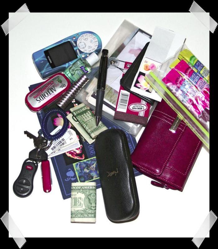 handbag-content (16)