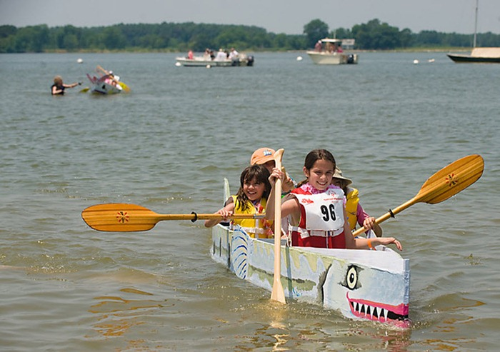 cardboard-boat-race (4)