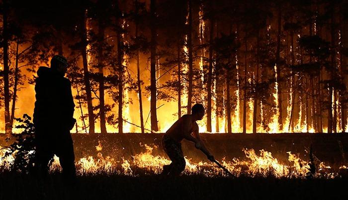 RUSSIA-HEATWAVE-FIRE-20100804-202812.jpg