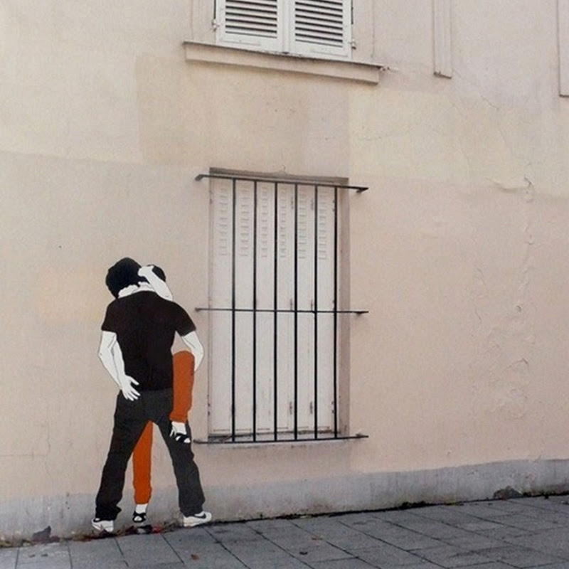 Kissing Couples Street Art by Claire Streetart