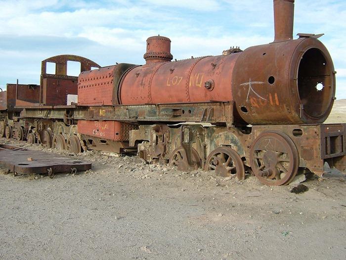 train-graveyard2