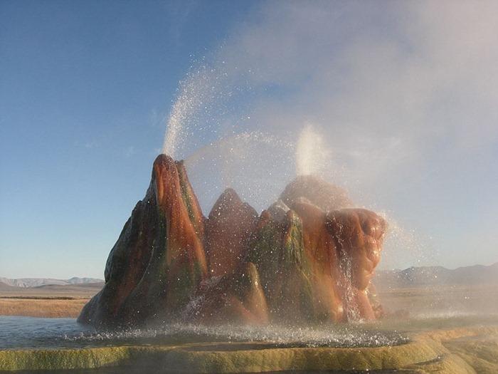 fly-geyser2