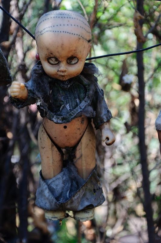 island-of-dolls-14