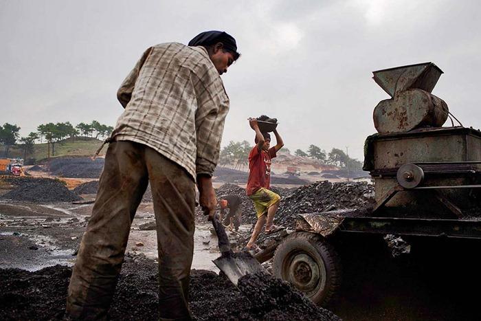 India-Child-Coal.06