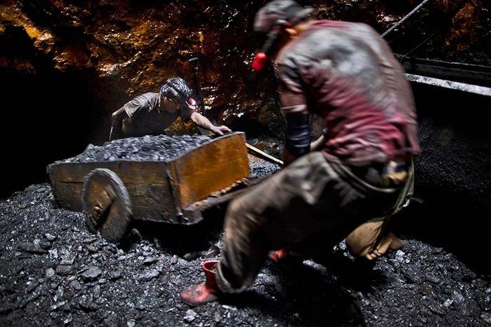 India-Child-Coal.11