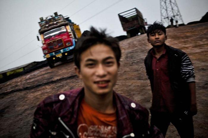 India-Child-Coal.24