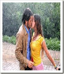 Moço_Moça_Chuva_abraçado_beijando
