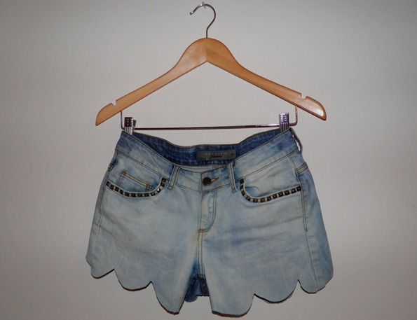 SCALLOP TOPSHOPESQUE SHORTS 2