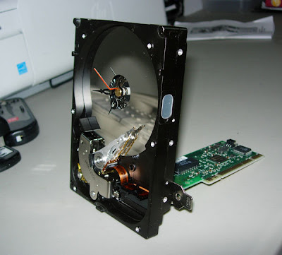 Computer recycling: desk clock made from old hard drive