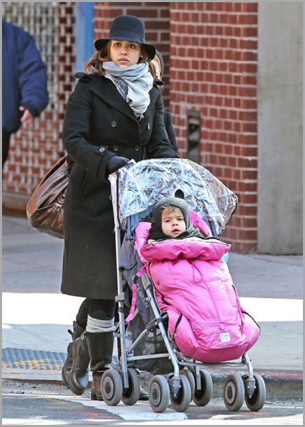 Jessica Alba Jessica Alba Daughter Honor Out 12