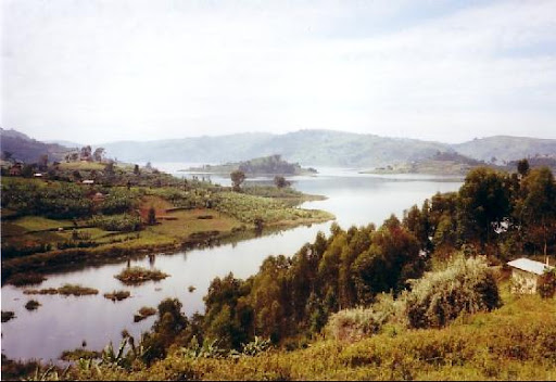 A picturesque Lake Bunyonyi in Uganda