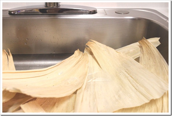 chicken tamales in green sauce-3