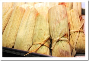 chicken tamales in green sauce-10