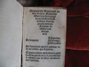 Tipo de letra gótica Rotunda.