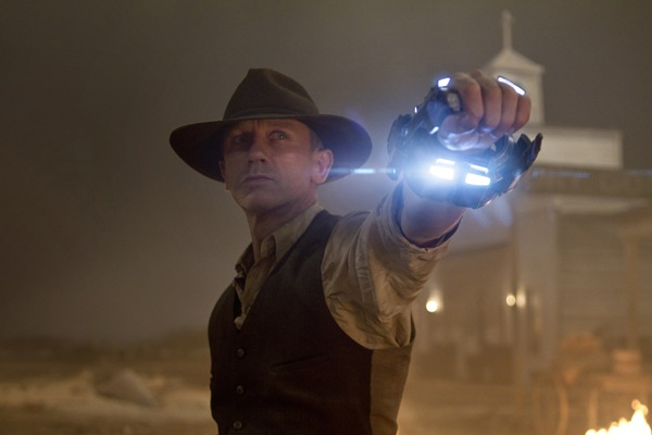 cowboys_and_aliens_comic_con_first_look_daniel_craig