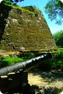 Canhão na entrada da Fortaleza de San Sebastián