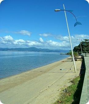 Praia de Cacupé e seu calçadão