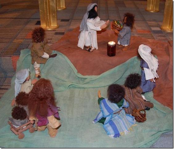 jesus mättar folk