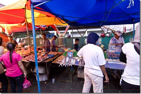 Satok market, kuching 6