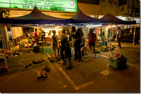 Satok market, kuching 32