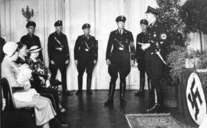 Bundesarchiv_Bild_146-1969-062A-58,__Verein_Lebensborn_,_Taufe