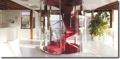 projetada-por-jan-van-den-berghe-ocupam-o-primeiro-piso-e-estao-dispostas-em-simetria-ao-redor-do-cilindro-transparente-que-proteje-1303437100212_615x300