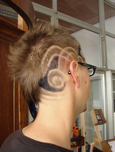 Very good design. haircut short with texture and color design image