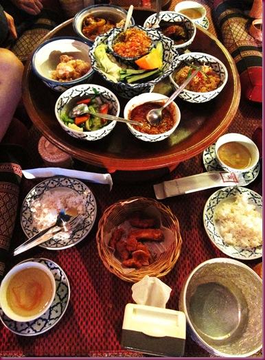 khum khantoke meal