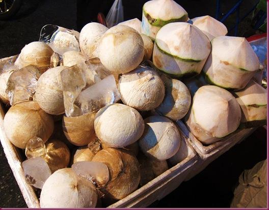 wororot market coconut