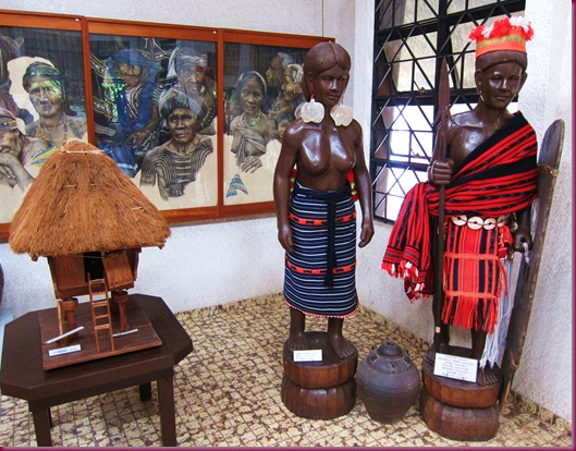 ifugao house and costume at bontoc museum