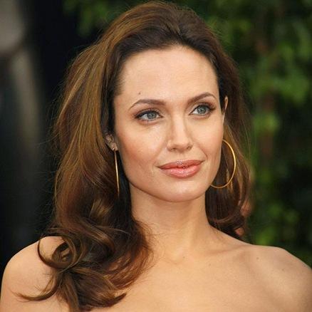 La actriz Angelina Jolie encabeza la lista de las mujeres más bellas del