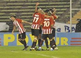 Estudiantes de La Plata enfrenta a Godoy Cruz