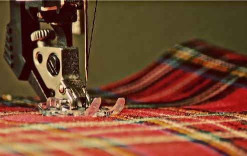SewingMachinePlaid70%27s-2011-01-8-07-37.jpg
