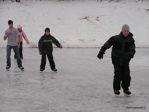 kids_skating