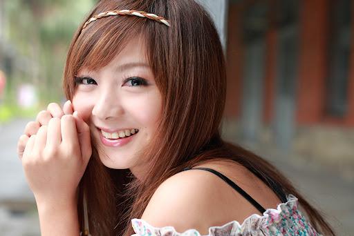 [フリー画像] 人物, 女性, アジア女性, 笑顔・スマイル, 201005132000