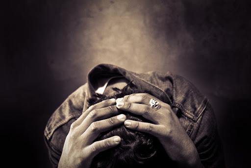 落ち込む・落胆 - GATAG|フリー画像・写真素材集 2.0