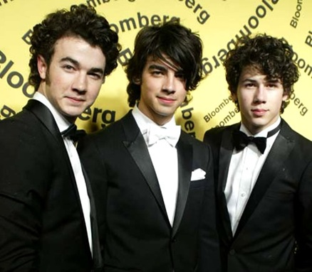 jonas-brothers-teen-vogue-45545585