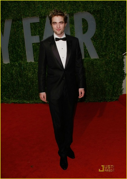 robert-pattinson-oscar-party-02