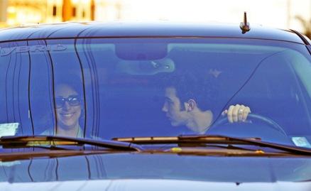kevin-jonas-danielle-deleasa-kissing-car-02