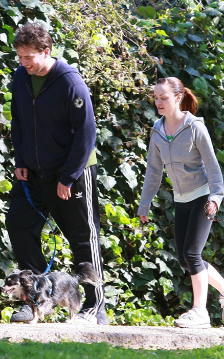 EXCLUSIVE: Christina Ricci & Boyfriend Walking In Griffith Park