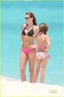 miley-cyrus-bikini-beach-07