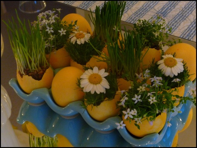 Easter table 2010 005 (800x600)