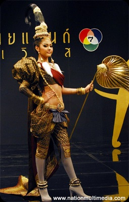 Miss Universe 2010 Best in National Costume Miss Thailand Fonthip Watcharatrakul - JustAnotherPixel.net
