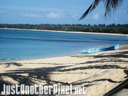 The relaxing beach at Saud beach in Pagudpud, Ilocos Norte - JustAnotherPixel.net