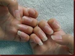 unha do dedo médio