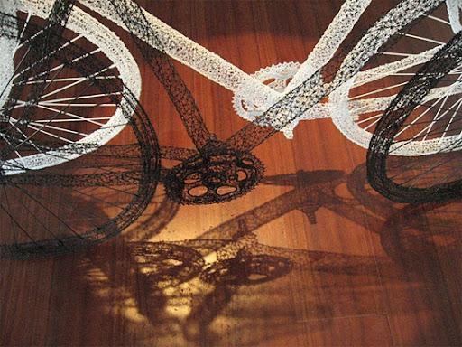 http://lh6.ggpht.com/_bKN77pn74dA/TIb0PYfOA8I/AAAAAAAAEP8/_9s1f4nxGTk/bike-wired-zoom.jpg