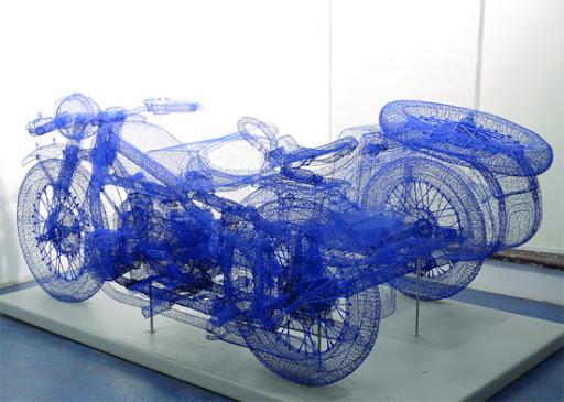 http://lh6.ggpht.com/_bKN77pn74dA/TIb0QeOehlI/AAAAAAAAEQI/e0c1i739img/wire-bike.jpg