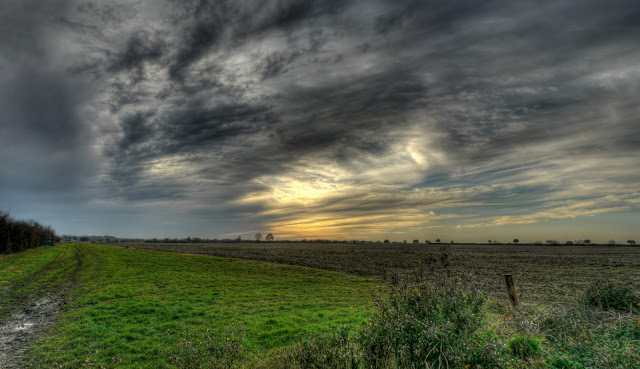 Oakington Airfield road view.jpg
