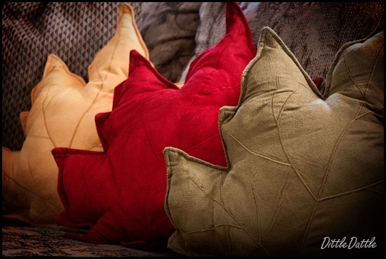 Fall-Leaf-Pillows
